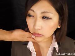 Yuna Shiratori gives a hot blowjob in CFNM sex clip
