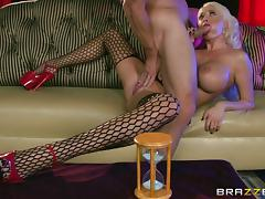 Juicy Summer Brielle Sucks Johnny Sins's Cock While He Masturbates Her