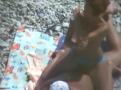 Amateur couple fucking on a beach
