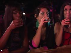 Sexy Ebony Gives An Amazing Drunken Blowjob At The Bar