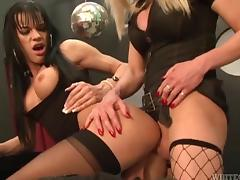 Two shemales Joanna Jet and Jordan Jay have threesome sex with dude