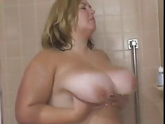 Big Tit BBW Babe Gets Fucked in threesome