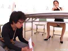 Bootyful Japanese babe Yuna Shiina has mutual oral sex with dude