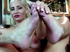 Feet to enjoy