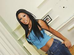 Curvy Cassandra Cruz!!