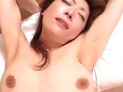 Japanese MILF Babe loves to suck a Dick