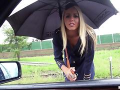 Blonde babe in stockings gets amazingly fucked in a car