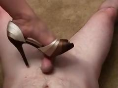 Footjob with peeptoe highheel